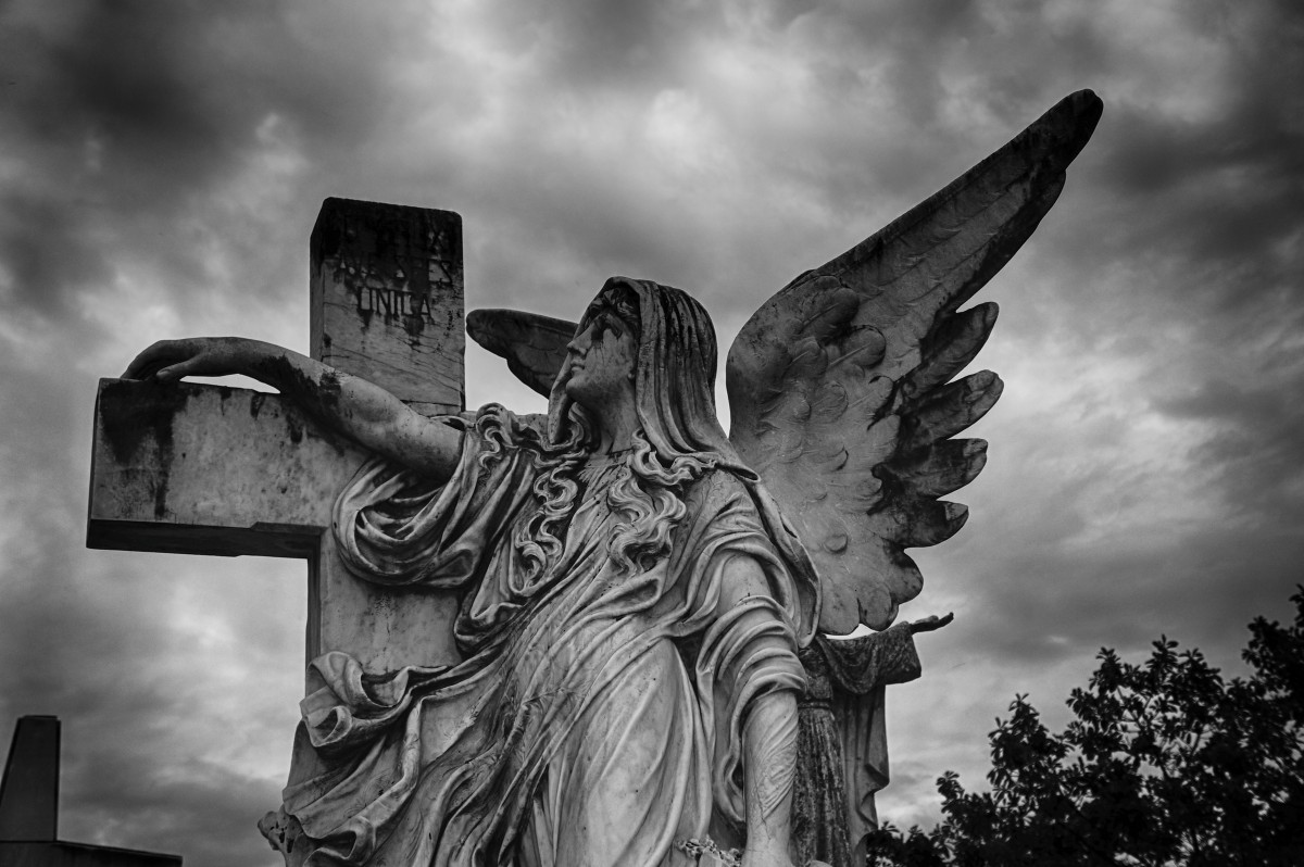 el_salvador_darkness_sky_earth_angels_hell_heavenly_sculpture-1373244.jpg!d